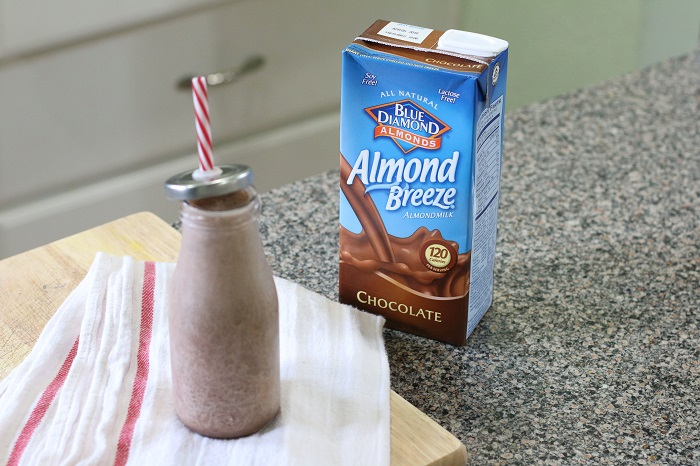 blue diamond chocolate almond milk